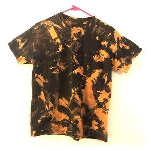 Reverse tie dye bleach dye t shirt